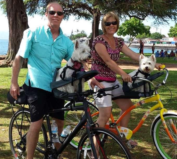 Happy customers with Buddyrider dog seat